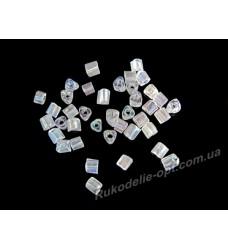 Бисер ювелирный 8/0 прозрачный AB № 2-12 — треугольник крученный