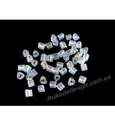 Бисер ювелирный 8/0 прозрачный AB № 2-25 — треугольник