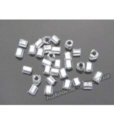 Бисер ювелирный № 3-24 треугольник 10/0 серебро 500 грамм