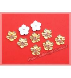 Камни акриловые пришивные цветок 13 мм плоский низ цвет золото 2000 шт.